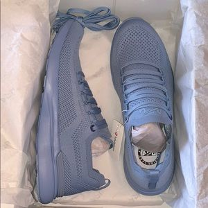 Lululemon blue APL Breeze Shoe size 8.5 NWT
